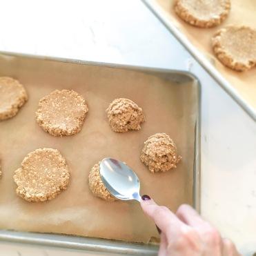 creme-sandwiches-flatten-cookies-edited-and-blur