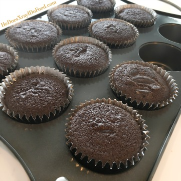 """Cookies & Crème Cupcakes; less than HALF the calories (and fat) than the usual """"Oreo""""cupcakes- HeDoesXrayiDoFood.com"""